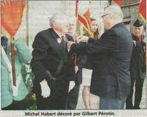 Remise de la médaille à Michel Habert